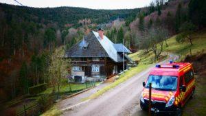 Unser Mannschaftsbus vor der Unterkunft in Kirchzarten.